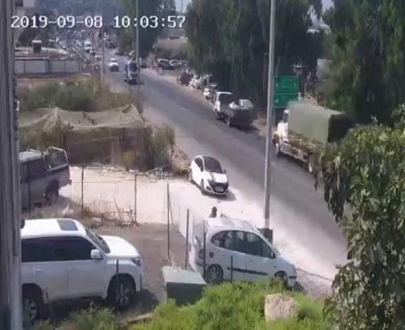 شاهدوا: فيديو يوثق لحظة وقوع حادث الشاحنات قرب الفريديس