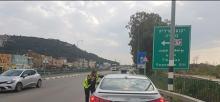 حملة مكثفة لشرطة المرور في منطقة الفريديس وجسر الزرقاء