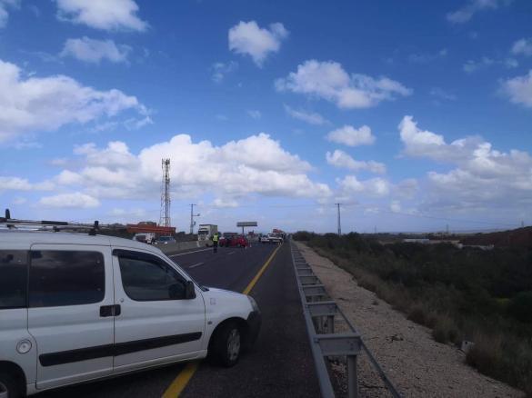 حادث طرق يسفر عن إنقلاب سيارة سفريات قرب أورعكيفا