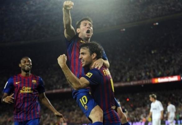 ميسي يقود برشلونة بالتتويج بلقب السوبر على حساب الريال 3-2