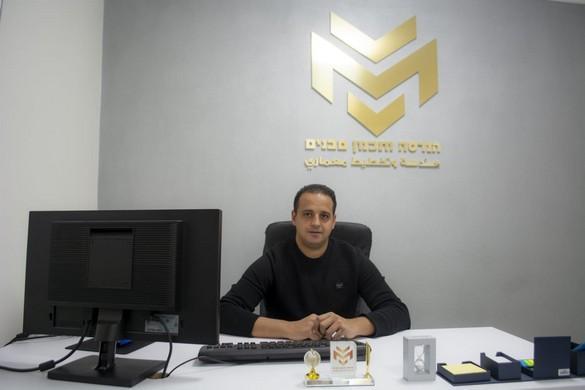 الشاب محمد مرعي من الفريديس يفتتح مكتبه الخاص للتخطيط والإستشارات الهندسية