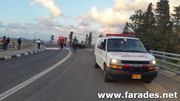 صور: متطوعو نجمة داوود الحمراء من الفريديس يقدمون المساعدة خلال حادث طرق في المنطقة