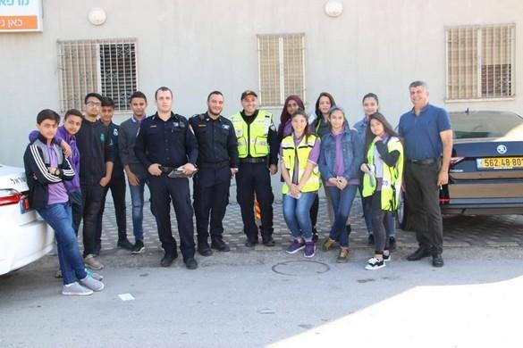مدرسة الظهرات الشاملة تنظم حملة تثقيفية في شوارع الفريديس