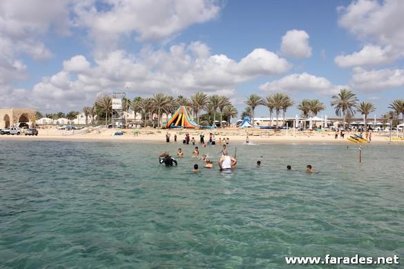 افتتاح موسم السباحة في البلاد وتحذيرات من الشواطئ الغير مرخصة