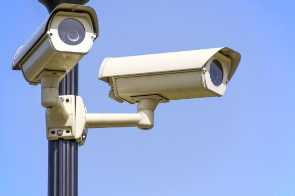 إعلان: كاميرات مراقبة وأنظمة حماية للبيوت والمصالح التجارية