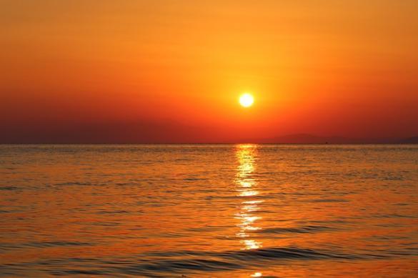 حالة الطقس: جو جاف وشديد الحرارة وتحذيرات من التعرض للشمس لوقت طويل